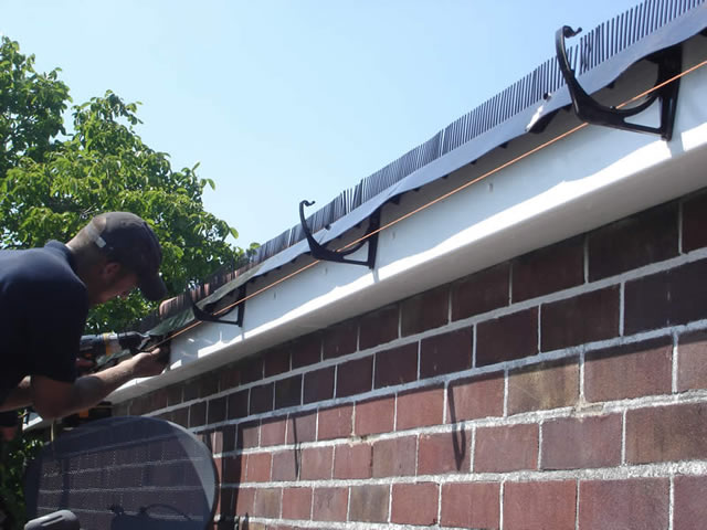 Step 4 | Over eaves ventilation strip installation during roofline installation process
