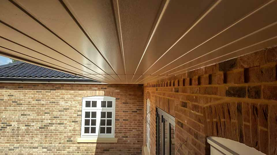 Cream weiss deep soffit boards