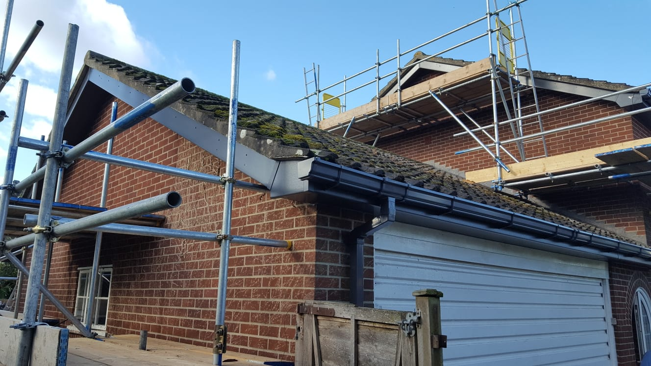Replacement black ogee style guttering